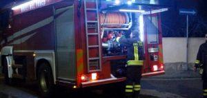 Tir in fiamme a Palermo, salvo l'autista