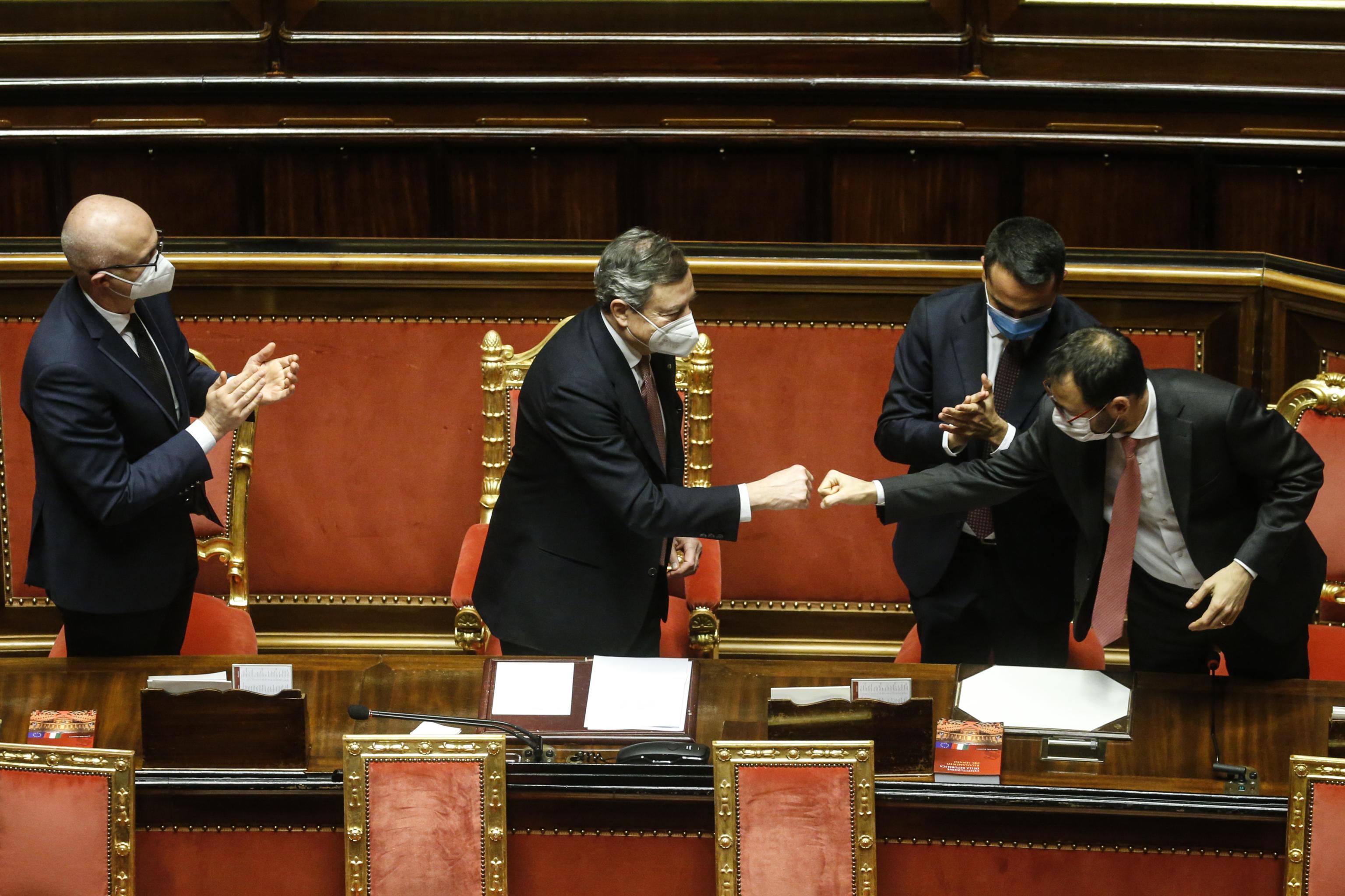 Senato, il governo Draghi ottiene la fiducia